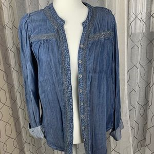 NWT Maurice's Chambray Button Up Top Size Small